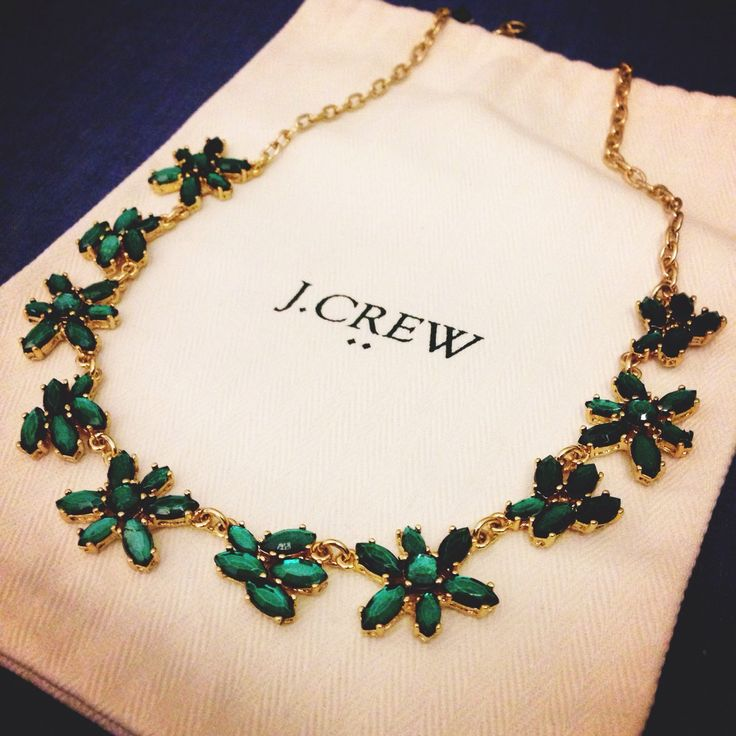 J. Crew emerald and gold statement necklace #jewerly