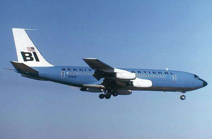 Braniff International B707 on final approach to JFK, August 1969