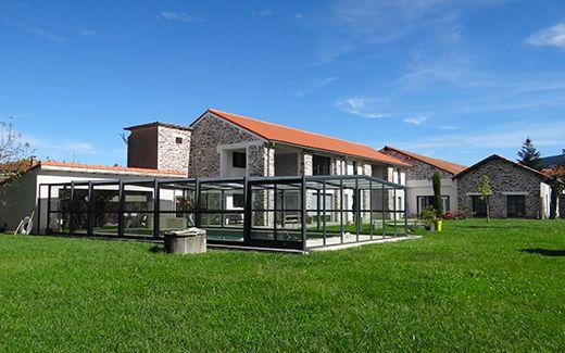 Nouvelle r alisation un abri de piscine adoss une magnifique maison en pierre nos abris - Abri piscine adosse maison nanterre ...