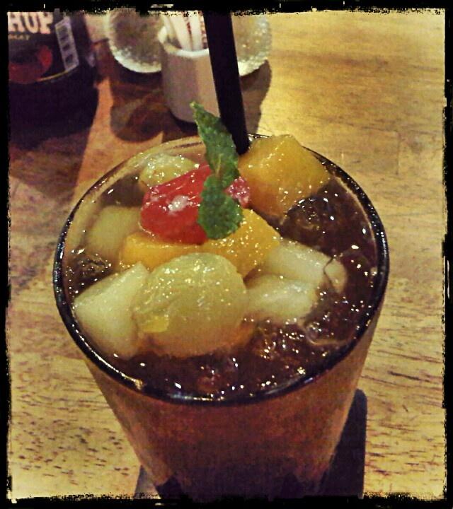 Tropical tea ( black canyon coffee)