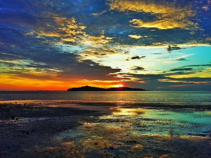 Air surut... #tanjungpunang #pulaupenyengat #wonderfulbintan #bholant
