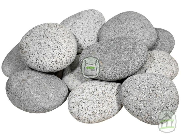 Beach Pebbles keien grijs minigaas | Siergrindwinkel.be Beach pebbles grijs zijn afgeronde platte keien in diverse grijstinten. Deze keien hebben een bijzondere uitstraling en zijn door hun vorm zeer geschikt voor bodembedekking, vijverranden of waterpartijen. Beach pebbles grijs worden gewonnen uit rivieren, door het water hebben ze mooie ronde vormen gekregen.