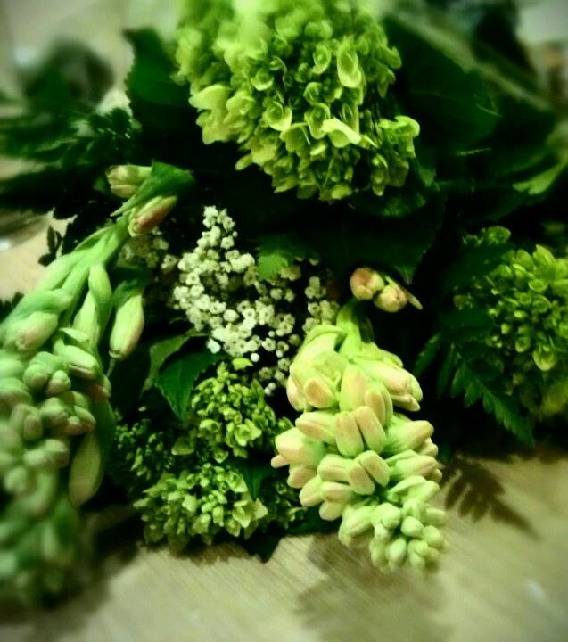 Green bouquet!     #emerald #flowers