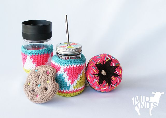 Ravelry: Triangle Drink Cozies (2015032) pattern by Erin Black