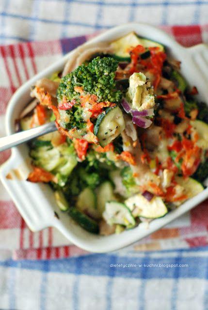 Moje Dietetyczne Fanaberie: Lekka zapiekanka brokułowa z camembertem