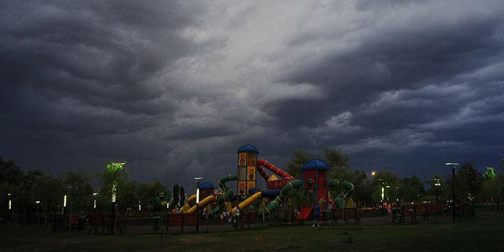 Loc de joacă / 26.06.2012 / Parcul Tineretului / București
