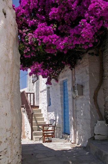 Beautiful alleys Syros, Cyclades, Greece