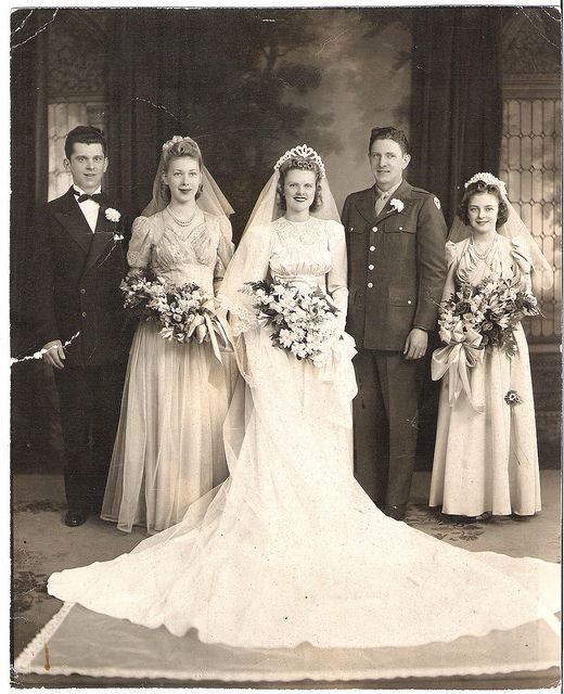 414 Best 1600-1900 Wedding Dress Images On Pinterest