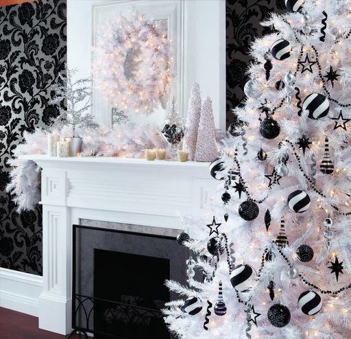 Black And White Christmas Decoration Ideas: 94 Best ** ChRisTMaS IN BLacK & WhiTe** Images On Pinterest