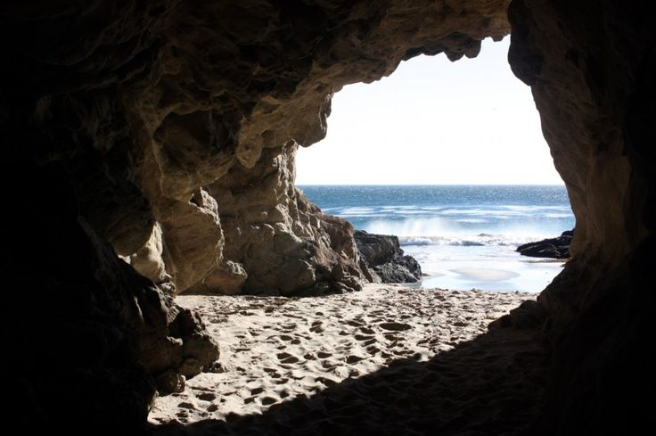Leo Carrillo State Park – South Beach - Caves and rock formations at Leo Carillo South Beach from CaliforniaBeaches.com