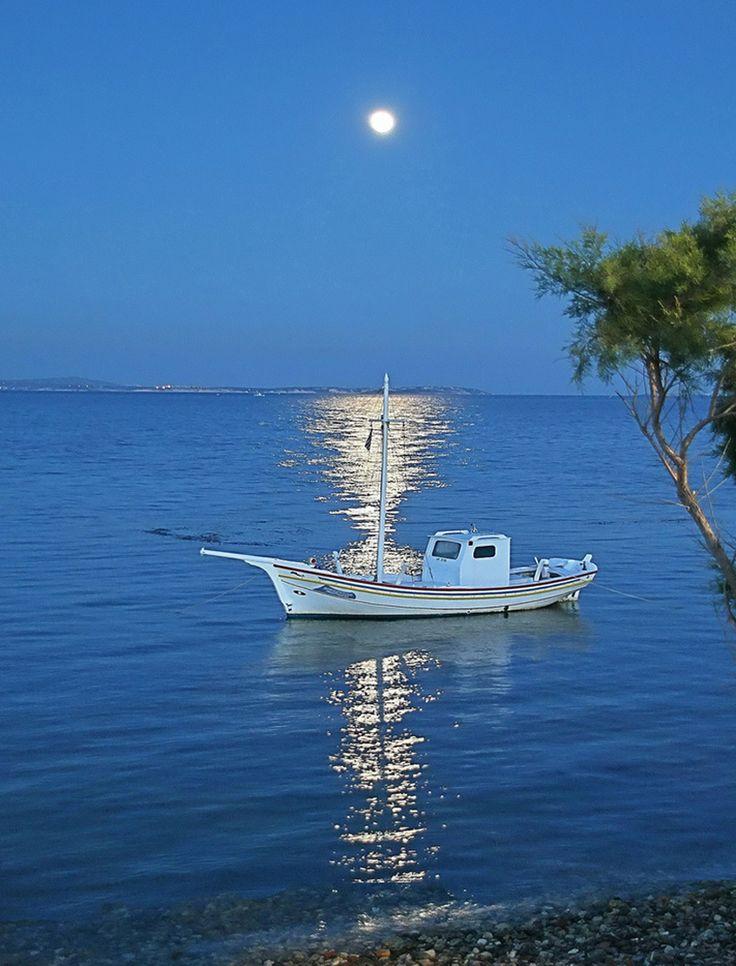 VISIT GREECE  Moonlight in #Greece