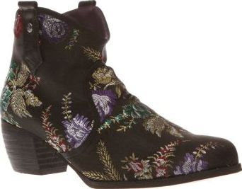 Red Or Dead Multi Mountain Womens Boots Embroidered to perfection the popular Red or Dead Mountain is everything you need to go bold with your boot choice this season. Dressed in black, the man-made ankle boot features colourful floral deta http://www.comparestoreprices.co.uk/january-2017-8/red-or-dead-multi-mountain-womens-boots.asp