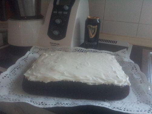 Tarta Guiness con frosting para #Mycook http://www.mycook.es/receta/tarta-guiness-con-frosting/