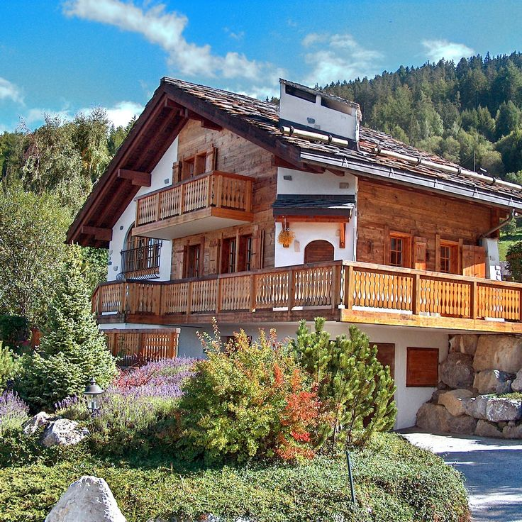 83 best images about swiss chalets mountain huts and for Swiss homes