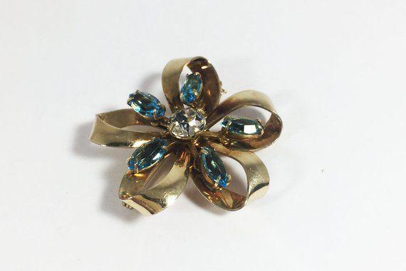 12k Gf Rhinestone Floral Pin Vintage 1930s 1940s Carl Art 12 Karat Gold Filled Blue Marqui Vintage Rhinestone Jewelry Vintage Designer Jewelry Vintage Brooches