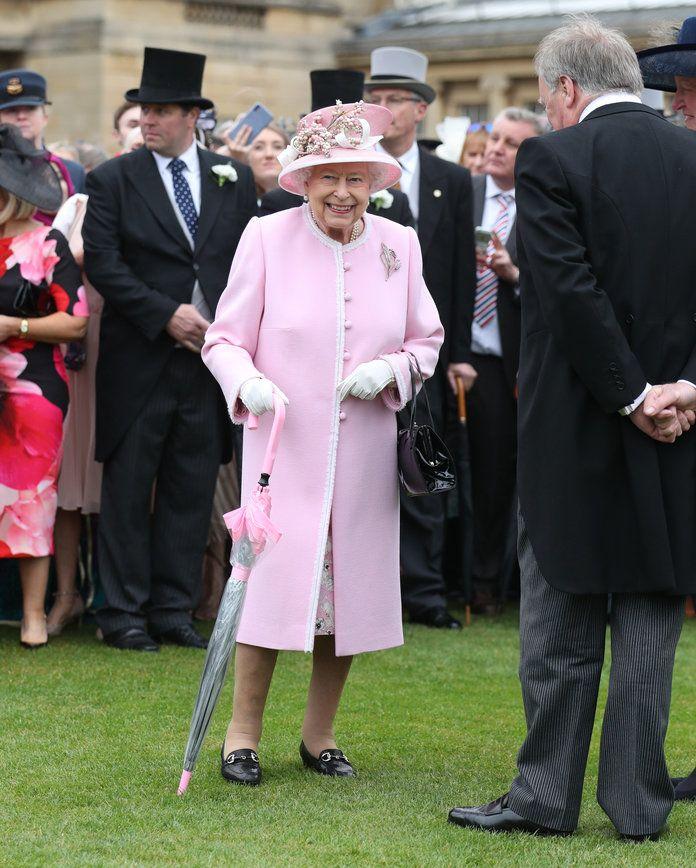 5462d24670463ccd730e9e4690657e05 - How To Get Invited To Queen S Garden Party