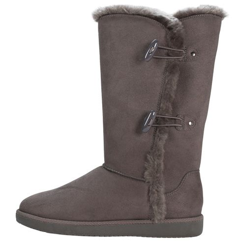 I don't have $145 for uggs, so this is the next best thing! Look out Payless, here I come! lol