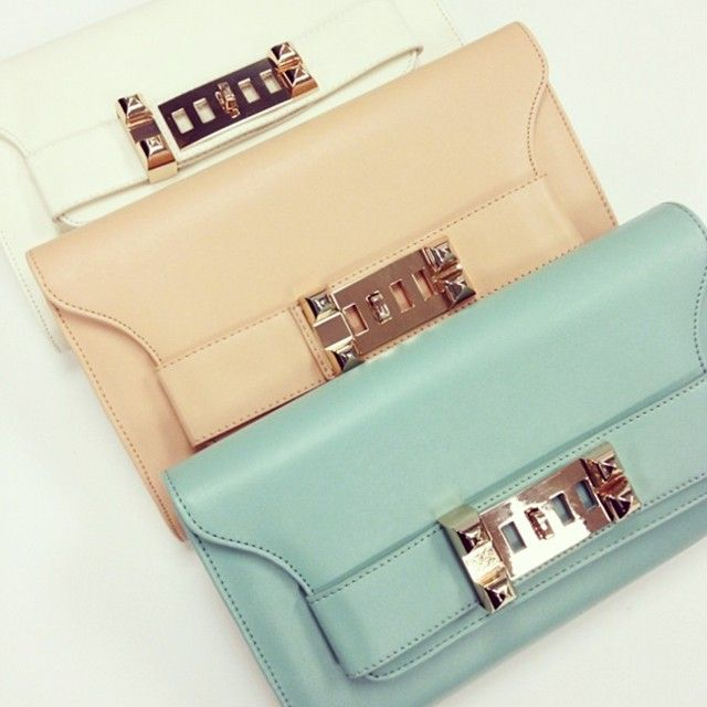 Tracey Convertible Clutch | Handbag Heaven | Discount Purses | Handbag Heaven