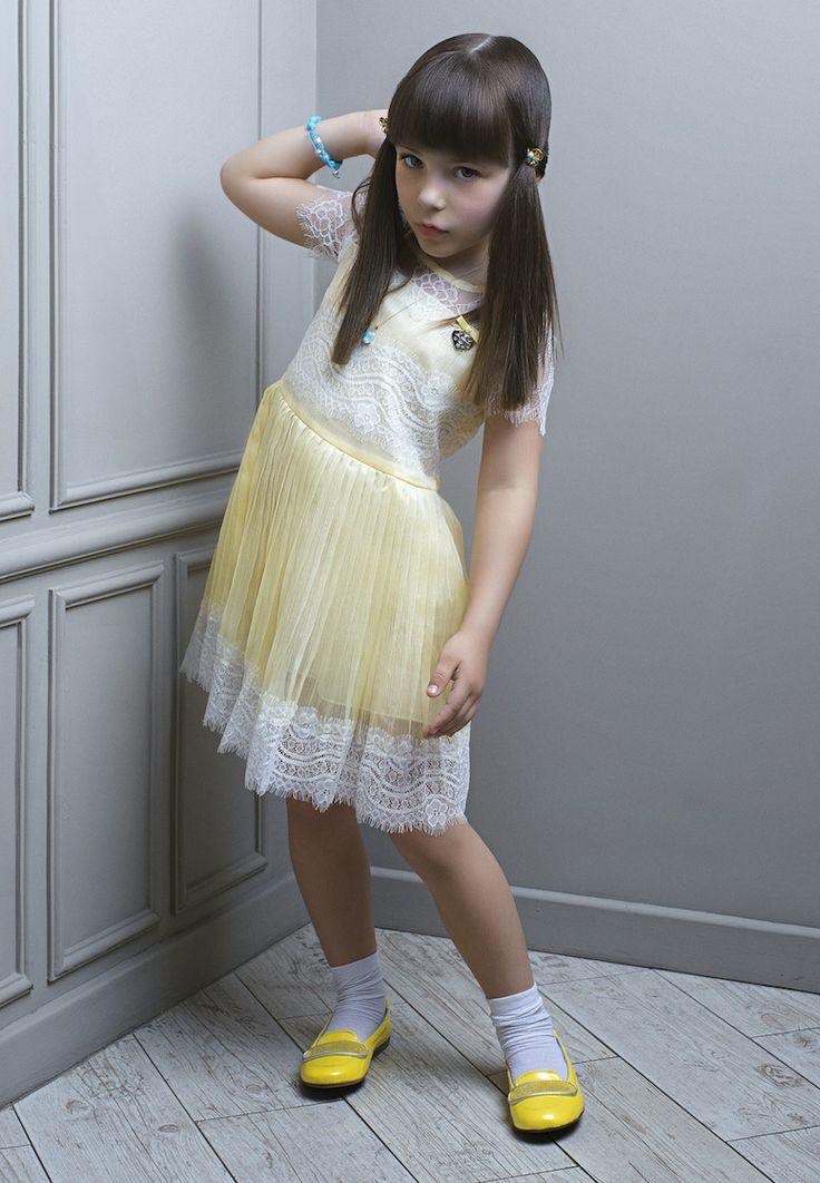 Детские стрижки и прически для конкурсов, праздников и соревнований http://kika-style.com.ua/blog/118-detskie-strizhki-i-stil