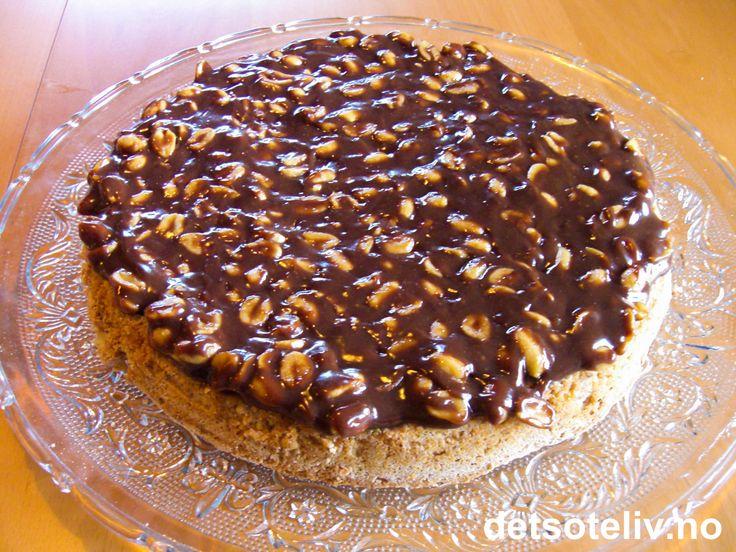 """""""Mandelkake med peanøttsjokolade"""" er KNALLGOD!"""
