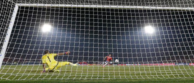 Alexis Sánchez se mostró feliz de estar nuevamente en la Selección y explicó que  el cuerpo técnico y nosotros queremos mantener el respeto ganado . Marzo 23, 2016.