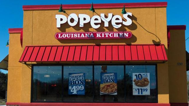 """JACKSONVILLE -- Customer punches Popeyes employee, shoots him in leg, because he says meal """"cost too much."""" (April 2017)"""