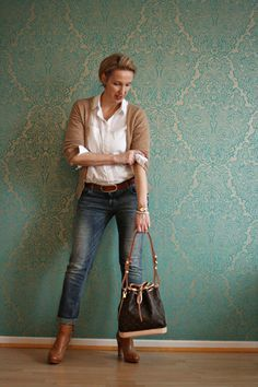 A fashion blog for women over 40 and mature women http://glamupyourlifestyle.blogspot.de/ Women, Men and Kids Outfit Ideas on our website at 7ootd.com #ootd #7ootd