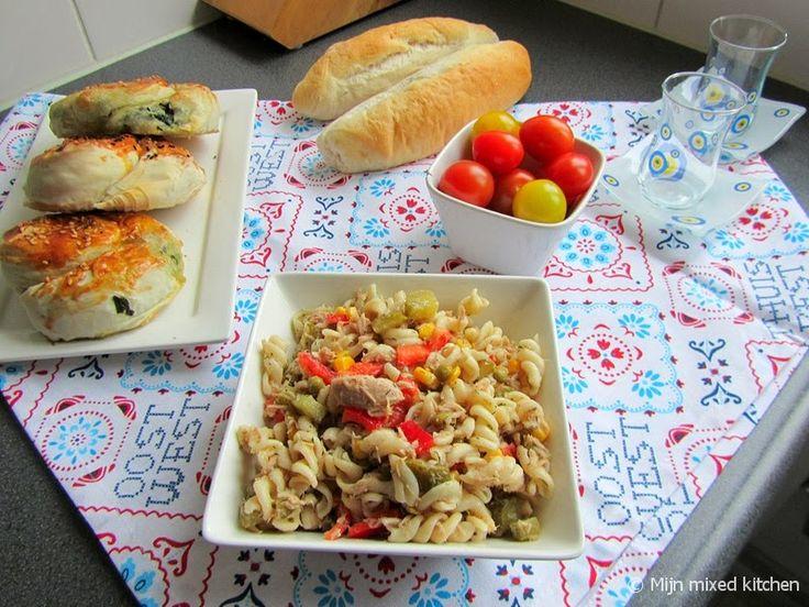 Mijn mixed kitchen: Makarna salatası (Turkse pastasalade met tonijn en groenten)