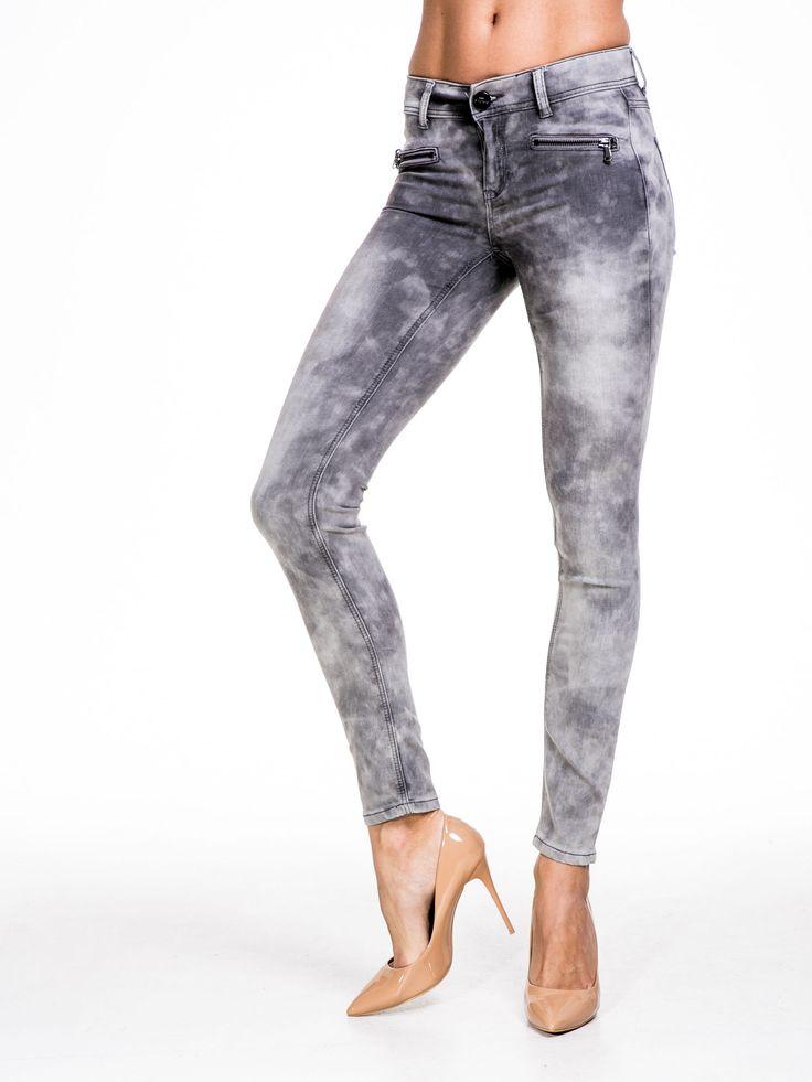 STRADIVARIUS Szare spodnie typu skinny jeans z efektem dekatyzowania Spodnie \ Spodnie z materiału NOWOŚCI Butik 159445