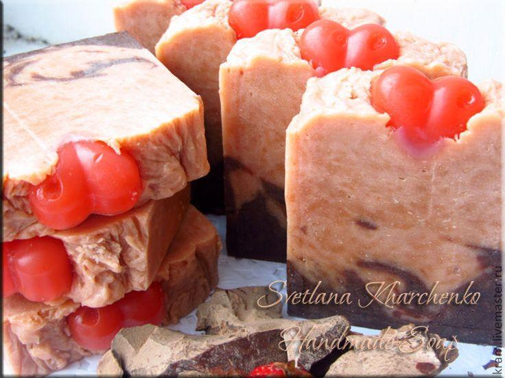 """Купить Мыло """"Amore mio"""", натуральное, с нуля, с шоколадом, шелковое - ярко-красный, клубника"""