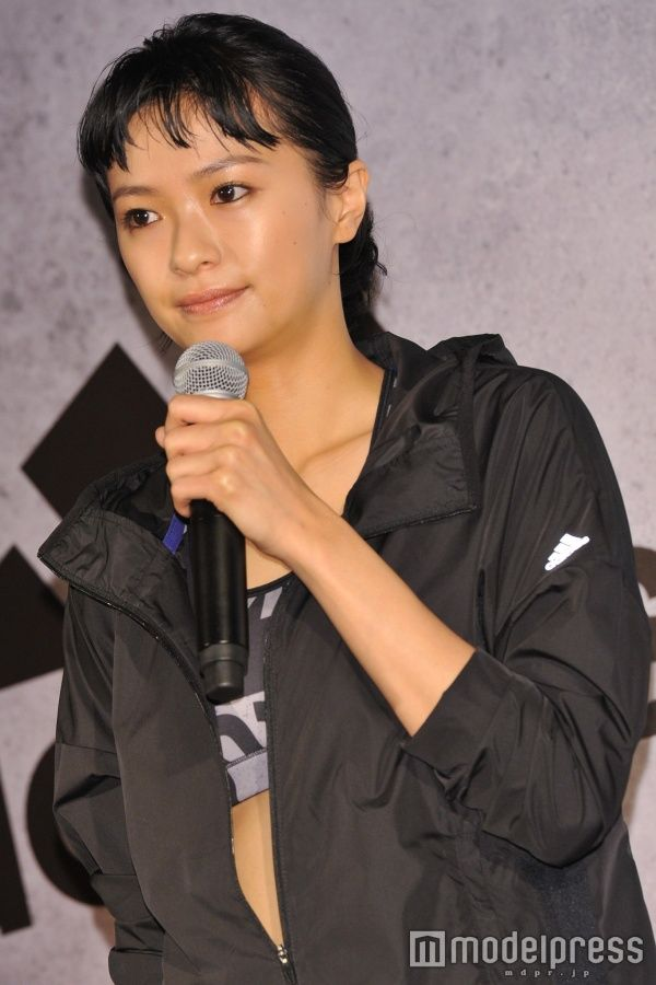 榮倉奈々、鍛え上げた美ボディ披露「すごく豊かになった」 - モデルプレス #榮倉奈々 #モデルプレス