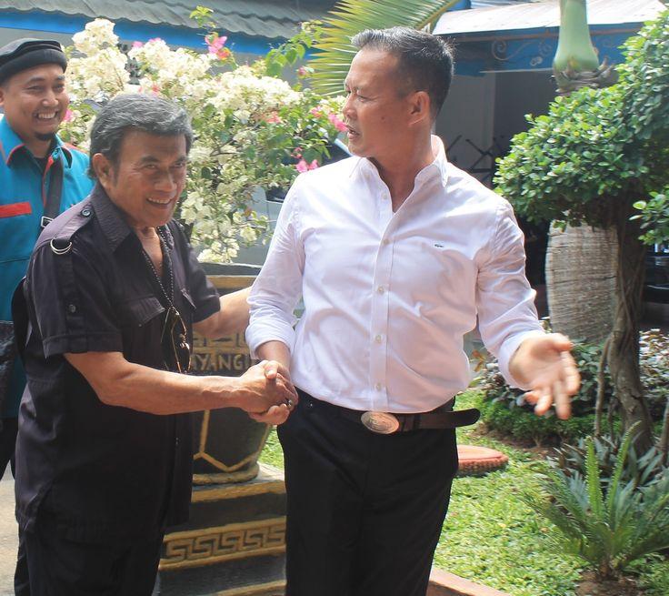 Kak Wari  Sosok Reinkarnasi dari Alex Noerdin H. Saifudin Aswari Rivai S.E atau yang biasa disapa kak Wari adalah sosok penting di kabupaten Lahat. Hal ini dikarenakan beliau adalah bupati dari kabupaten Lahat. Kabupaten Lahat adalah salah satu kabupaten di Sumatera Selatan. Selain menjadi bupati beliau adalah direktur dari PT Cendrawasih Bungsu. Kak Wari menjabat sebagai bupati Lahat sudah dua kali periode. Periode pertama adalah dari tahun 2008 sampai dengan 2013. Untuk periode kedua…