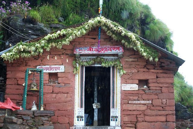 Rudranath Temple- Pay a Respect to Lord Shiva in the form of Face