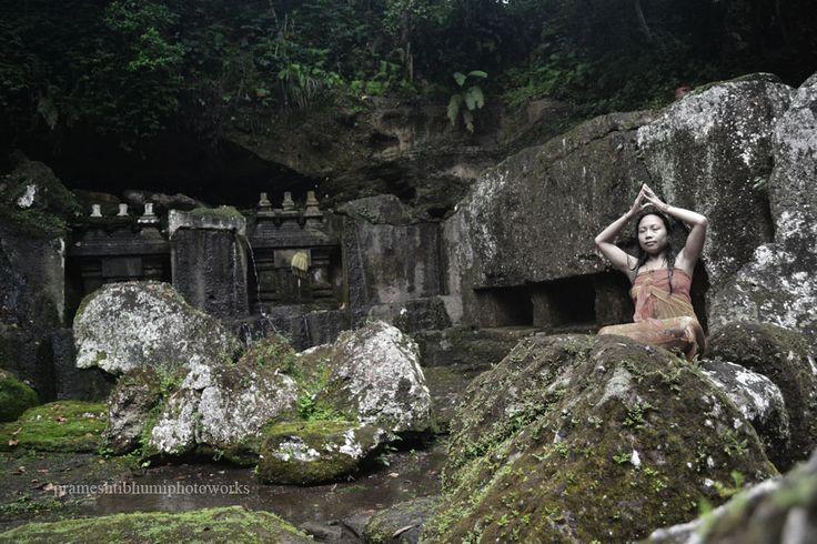 Candi tebing Tegallinggah, Gianyar - Bali - Indonesia, info +6281338479617