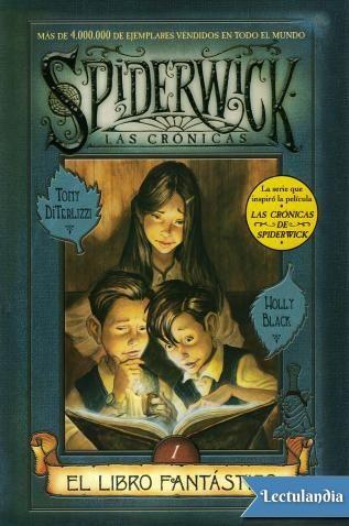 Jared, Simon y Mallory Grace se han mudado a la mansión Spiderwick, antigua residencia de su tío abuelo Arthur Spiderwick. El viejo caserón es inmenso y portentoso, repleto de escondrijos y lleno de extraños ruidos. En uno de esos recónditos pasadi...