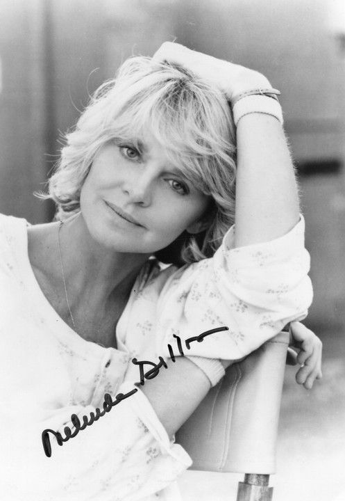 Melinda Dillon (october 13, 1939) in Hope, Arkansas, to Norine and W.S Dillon. She attended Hyde Park High School.