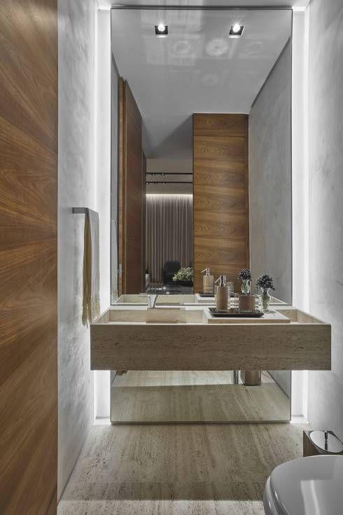 Baños de estilo moderno por Alessandra Contigli Arquitetura e Interiores