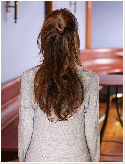 ロング ヘアアレンジ|簡単 上品 ハーフアップ|前髪で遊ぶ春ヘア&オフィスアレンジ|All About MICO [ミーコ]