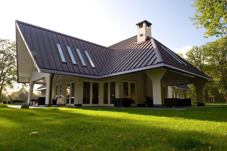 Moderne villa met een koperen dak