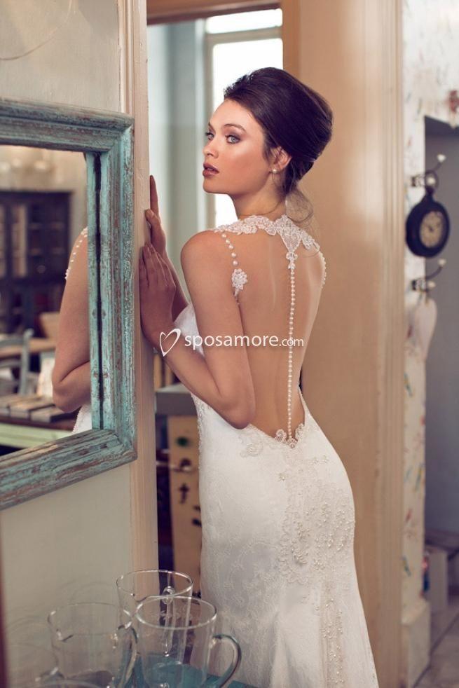 EMILIA - Abito da sposa elegante confezionato in raso,tulle e pizzo con scollo a cuore,strascico a terra