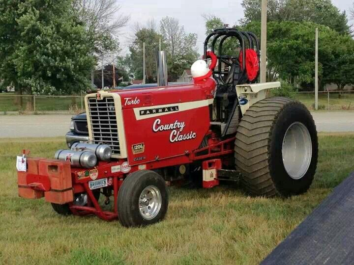 Ih Pulling Tractors : Farmall pulling tractor tractors pinterest