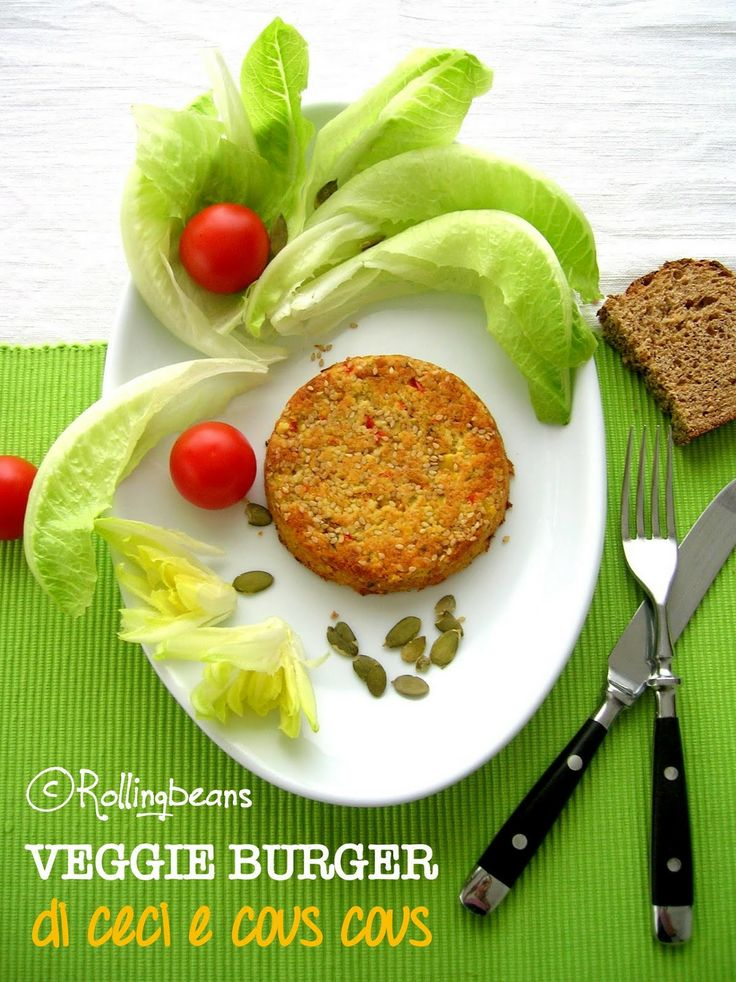 Homemade veggie burger with chickpeas & cous cous Burger vegetale di ceci & cous cous
