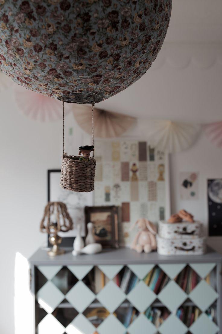 Ruby s rainbow room inspiration for kids bedroom decor at huggies - Diy Luftballong