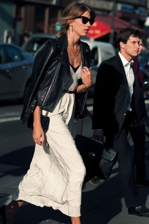 Veronika Heilbrunner en Paris nos enseña a combinar la jacket de motociclista en un evento de noche ;)