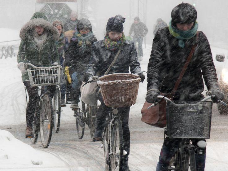 "I Take Photos Of Urban Cycling – My Favorites Are Of ""Viking Biking"" – Copenhageners Cycling In Winter   Bored Panda"