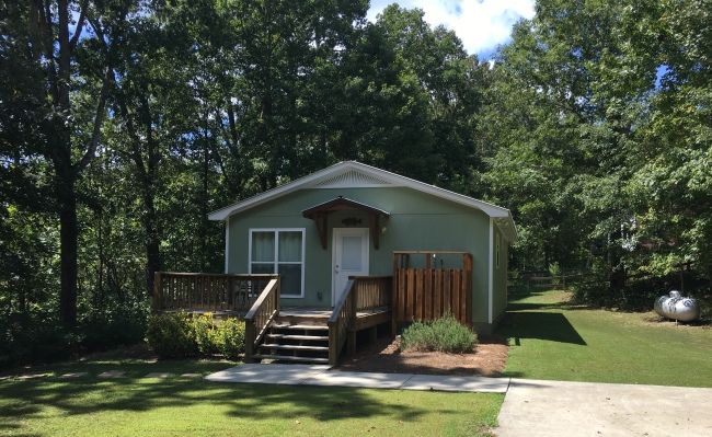 Scout S Hideaway 2 Br Cottage On The Lake Lake House Rentals Lake Vacation Rental Lake House