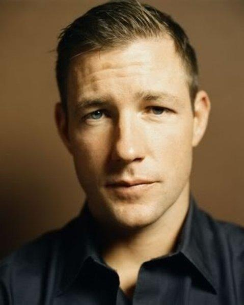 Edward Burns Hot