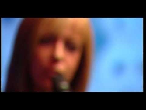 Szabó Csilla - Anyád szemében (HQ) - YouTube