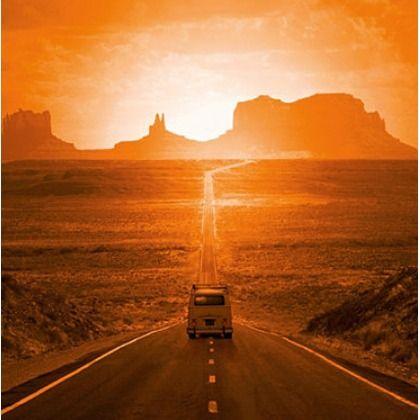 Road-Trip in den Sonnenuntergang? Dieses Bild von HOME AFFAIRE macht jedenfalls Lust darauf! Ab 79,99 €