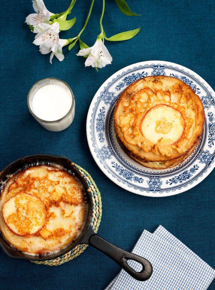 Banaanilla ja omenalla maustettu pannukakku on täydellinen arki-illan pelastaja.